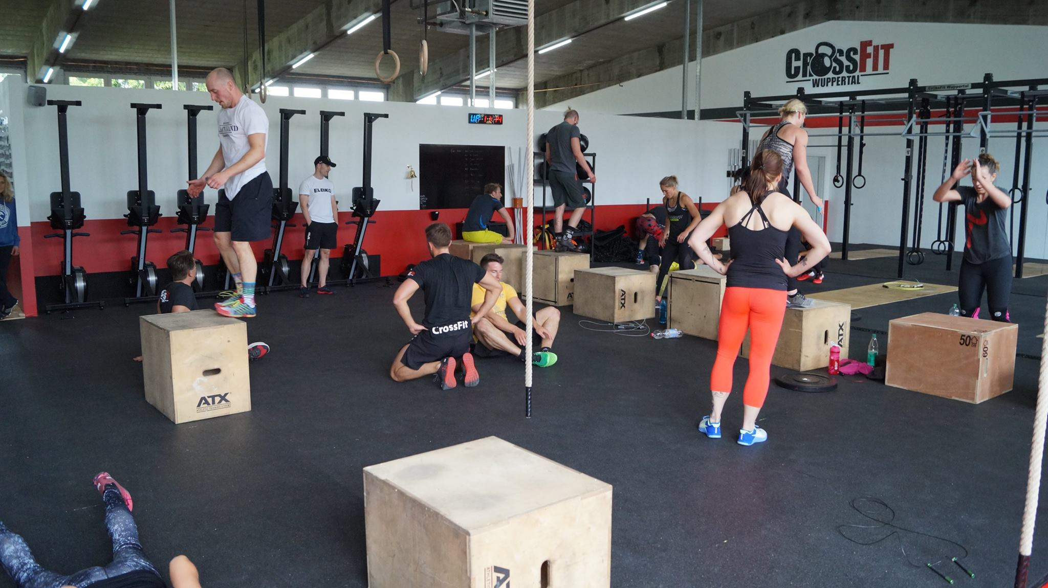 https://crossfitwuppertal.de/wp-content/uploads/2016/08/wod.jpg